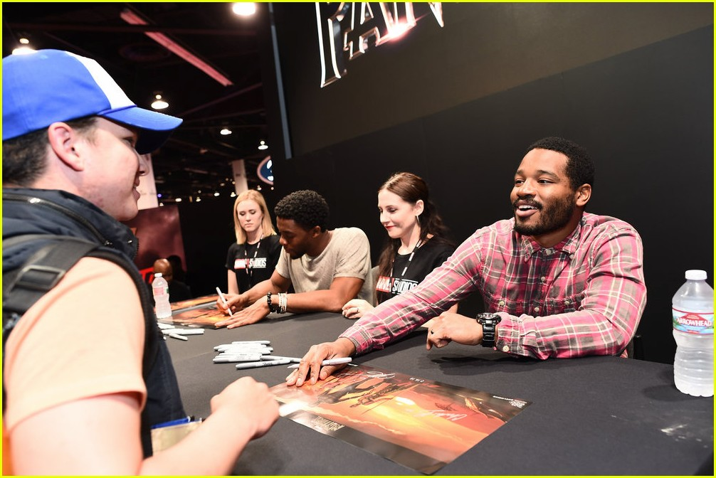 black panthers chadwick boseman meets fans at d23 expo 133928412