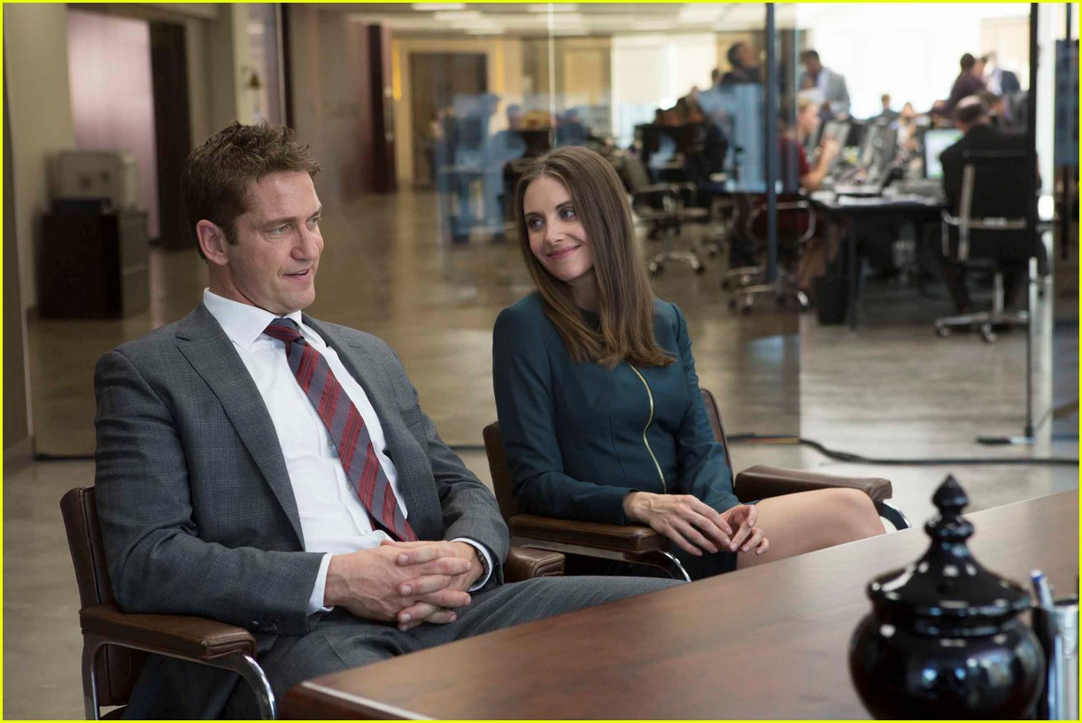 gerard butler family man stills 163930073