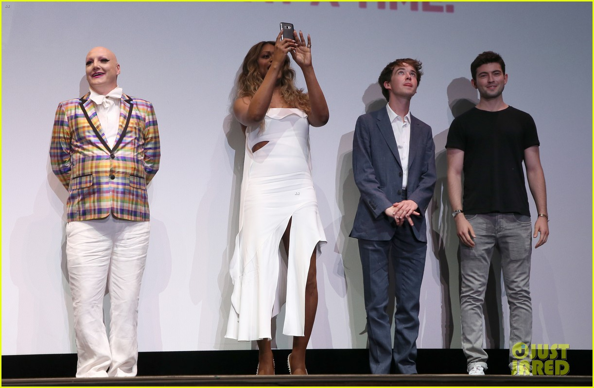 laverne cox closes out 2017 outfest with freak show premiere 263929238