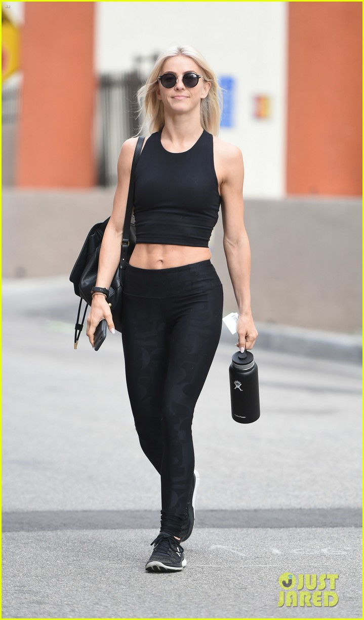 julianne hough six pack abs gym 233923239