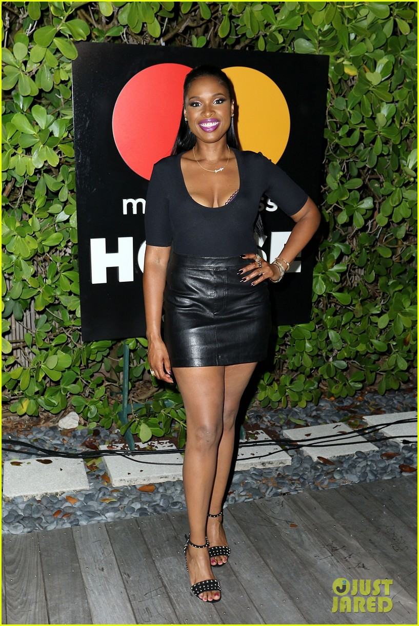 jennifer hudson hits the stage for stand up to cancer concert 023925817
