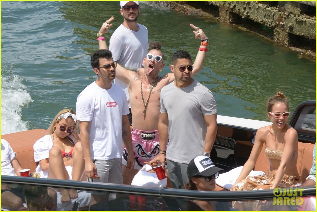 joe jonas wilmer valderrama go boating before summerfest 033925405