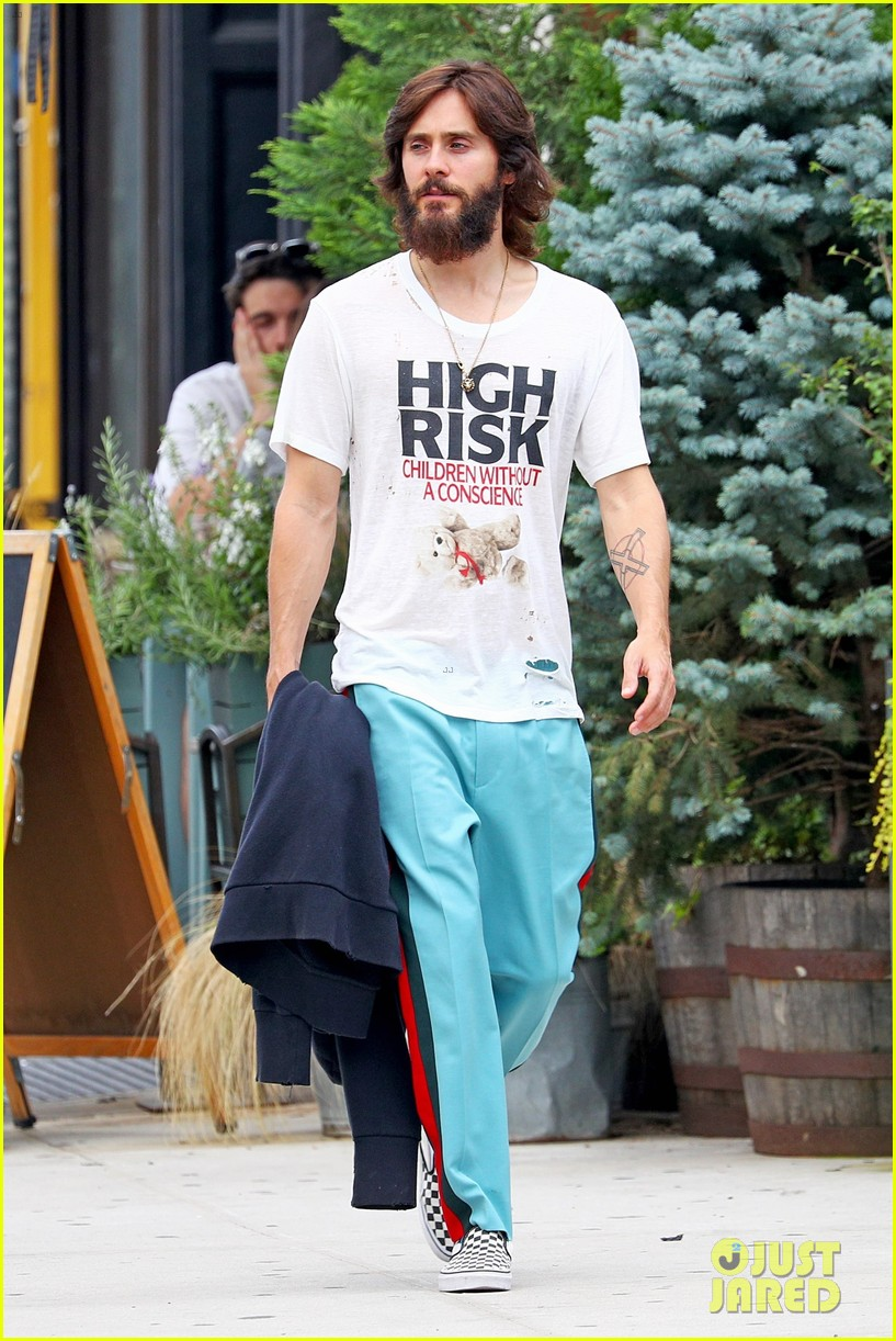 jared leto shows off his full beard in nyc 013930453