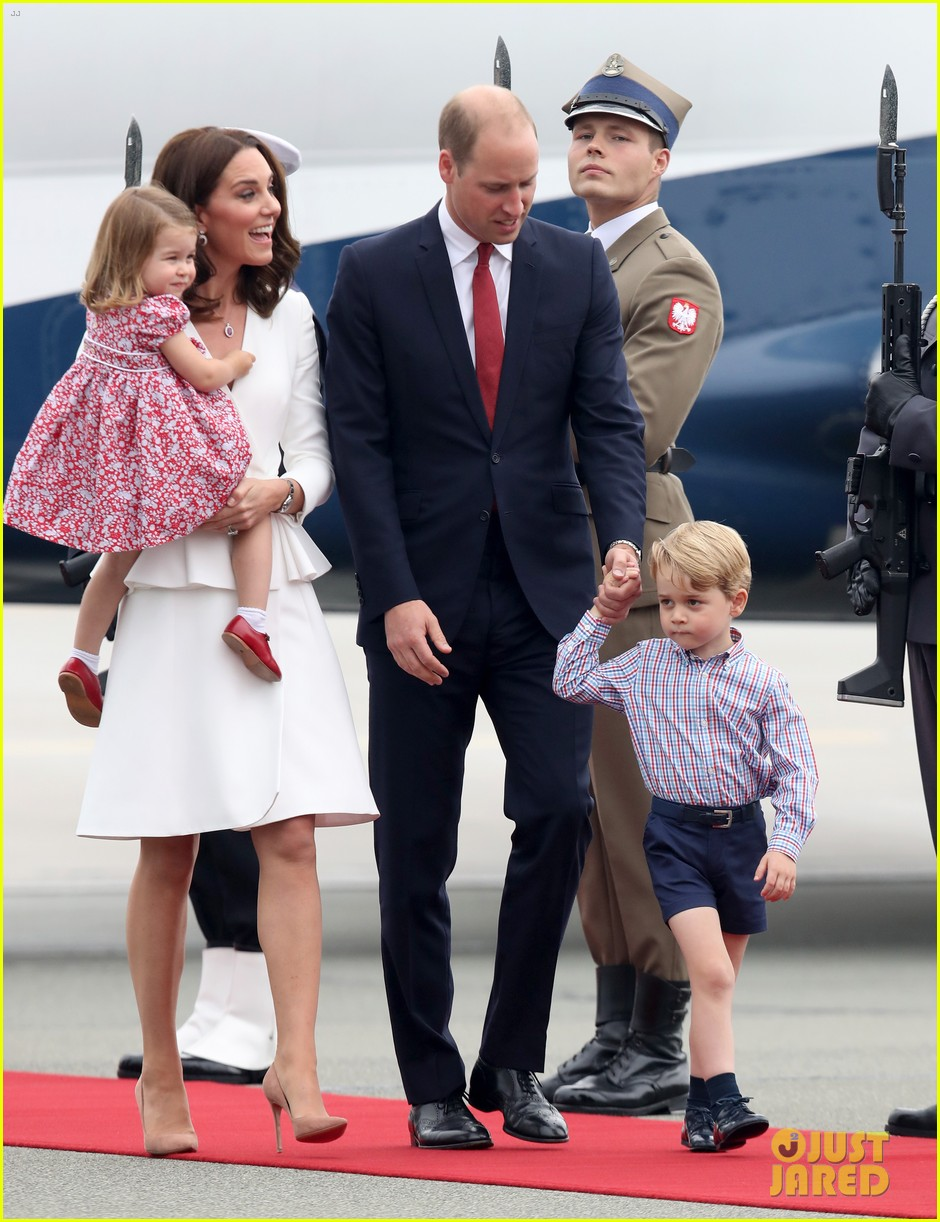 kate middleton prince william arrive in poland with george charlotte 063929245