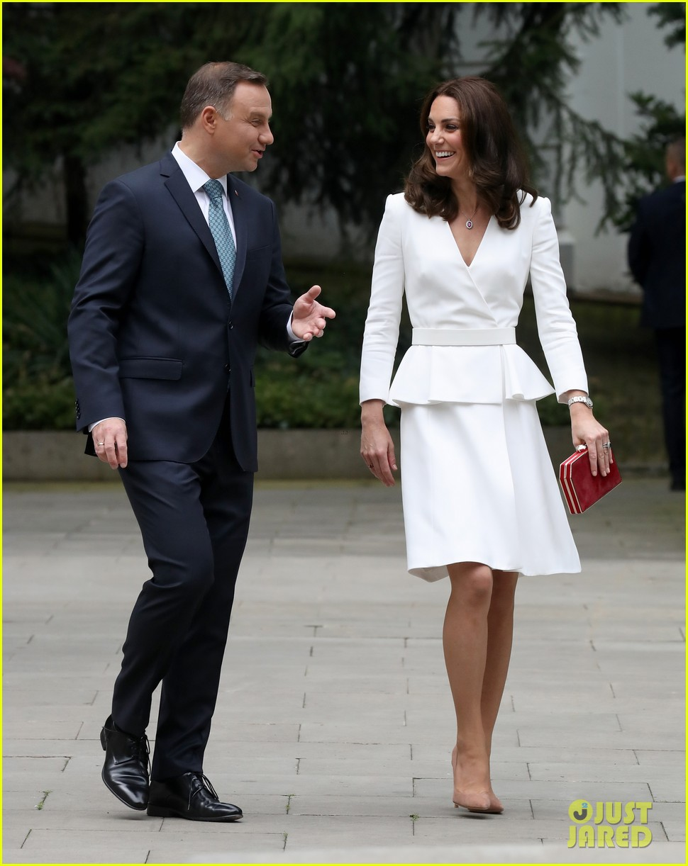 kate middleton prince william arrive in poland with george charlotte 113929250