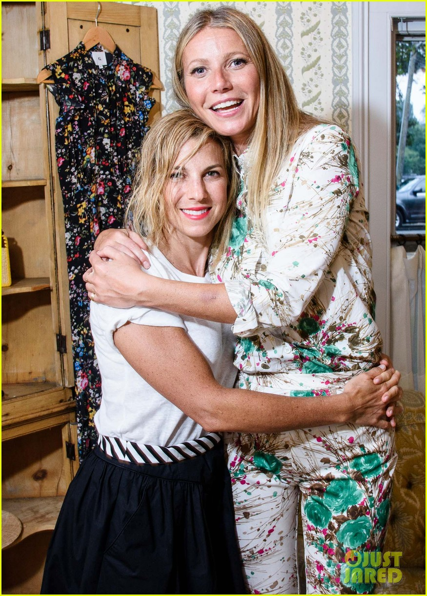 gwyneth paltrow matches her mom at goop mrkt party 043931447