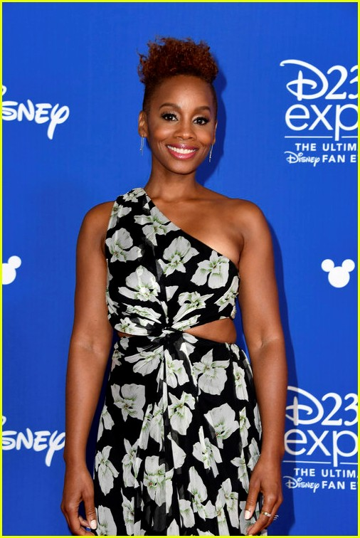 10 of disneys princess actresses met up for epic d23 photo 123928307