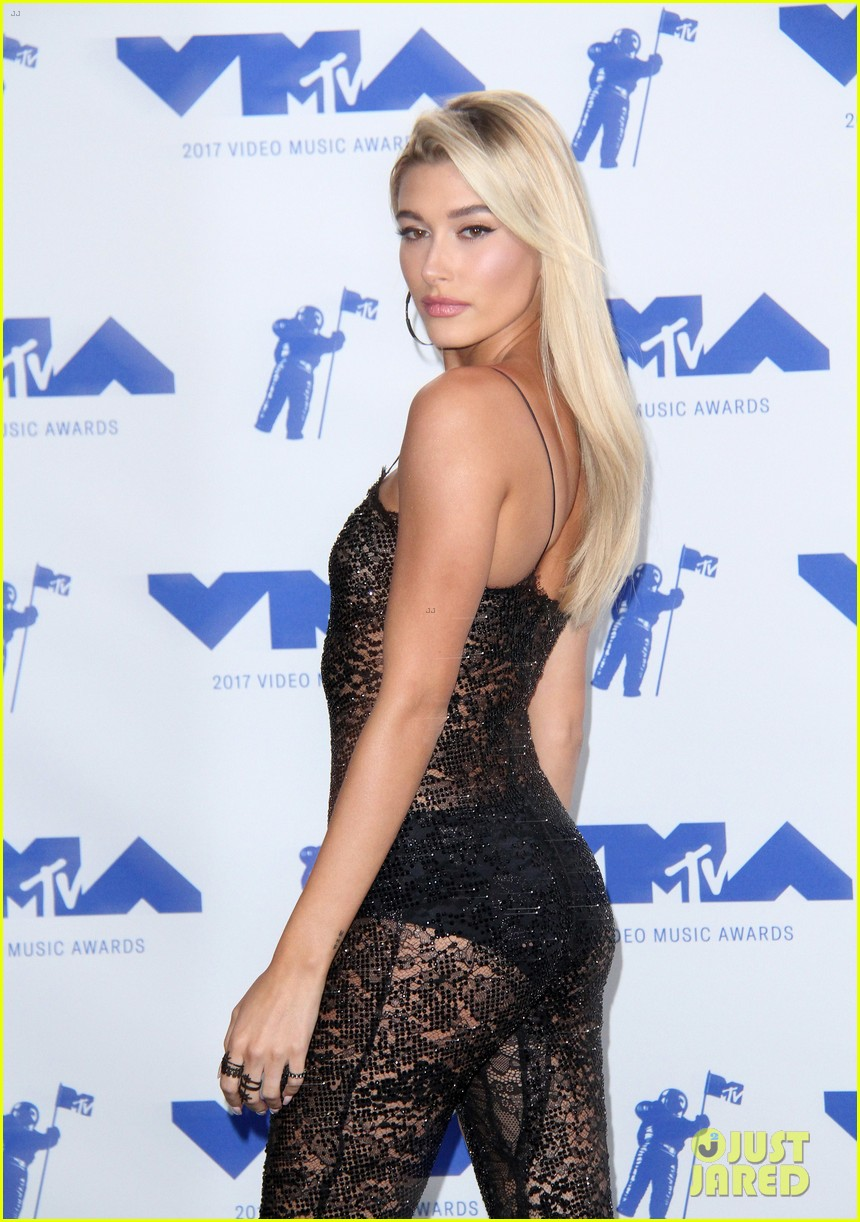 hailey baldwin cameron dallas keep it casual at republic records mtv vmas 153947302