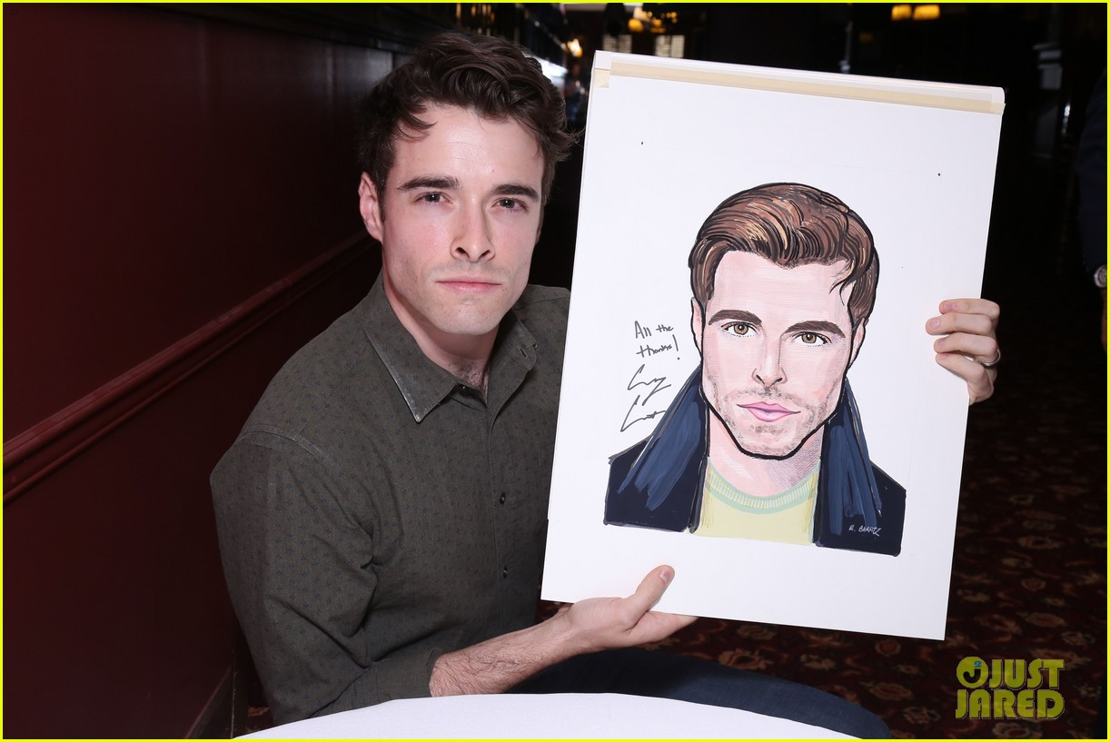 corey cott unveils his portrait at ny sardis 053941116