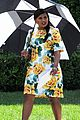 pregnant mindy kaling films mindy project in a floral dress 03