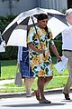 pregnant mindy kaling films mindy project in a floral dress 07