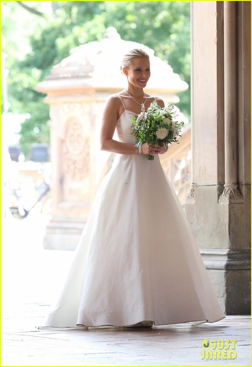 kristen bell central park wedding dress 053947433