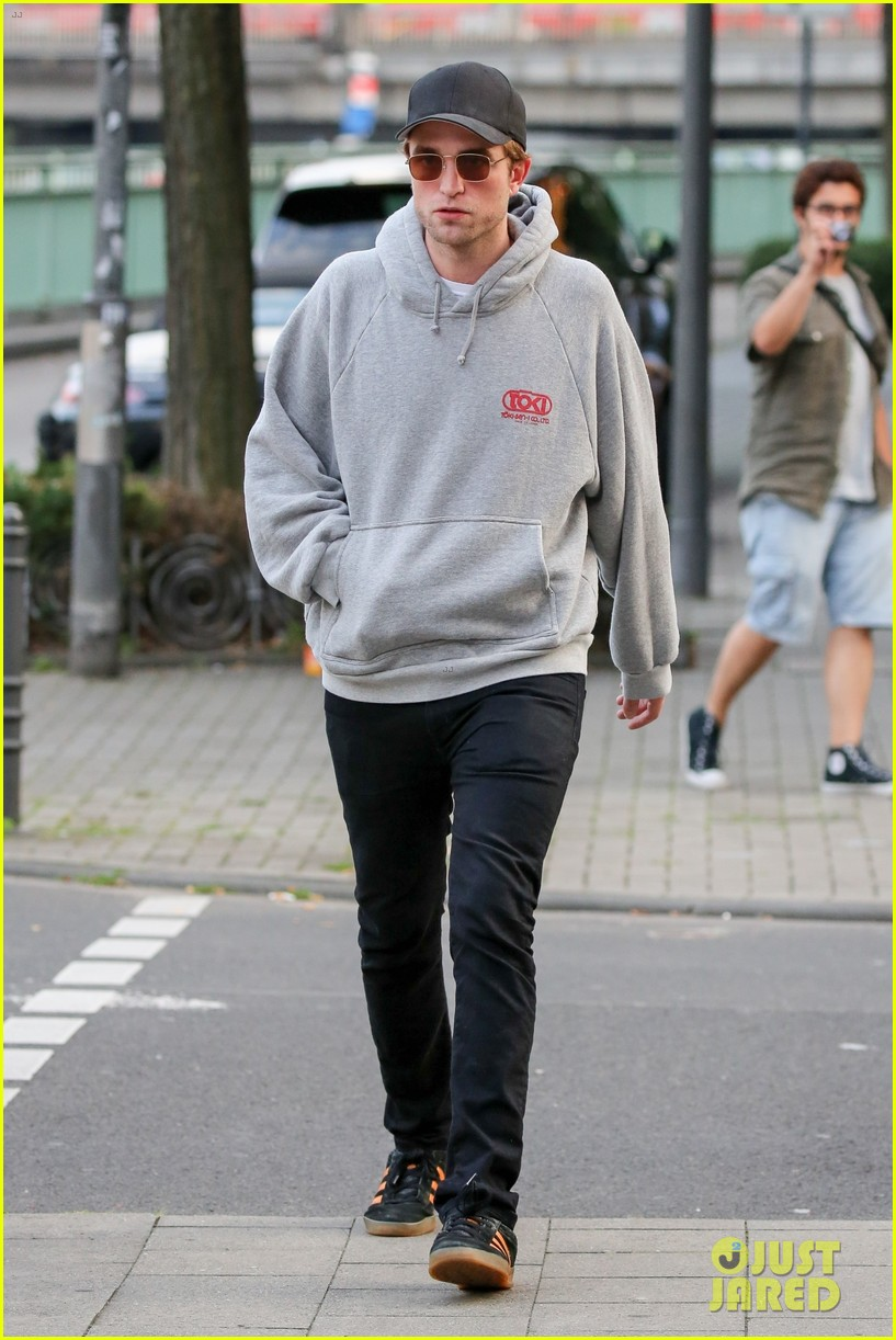 robert pattinson hangs out with co star mia goth in germany 093944513