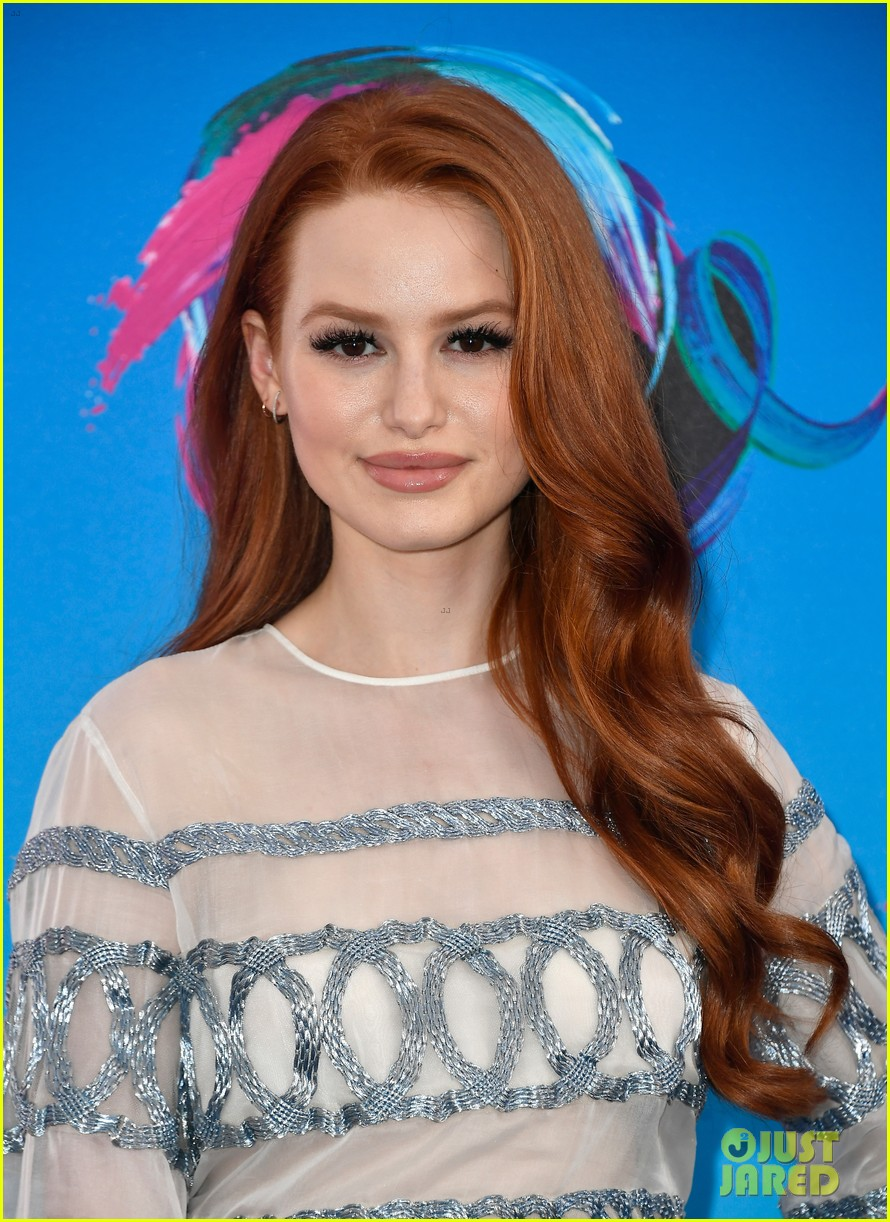 madelaine petsch boyfriend travis mills couple up at teen choice awards 053941361