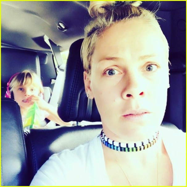 see pinks adorable photos of her kids willow jameson 143946378