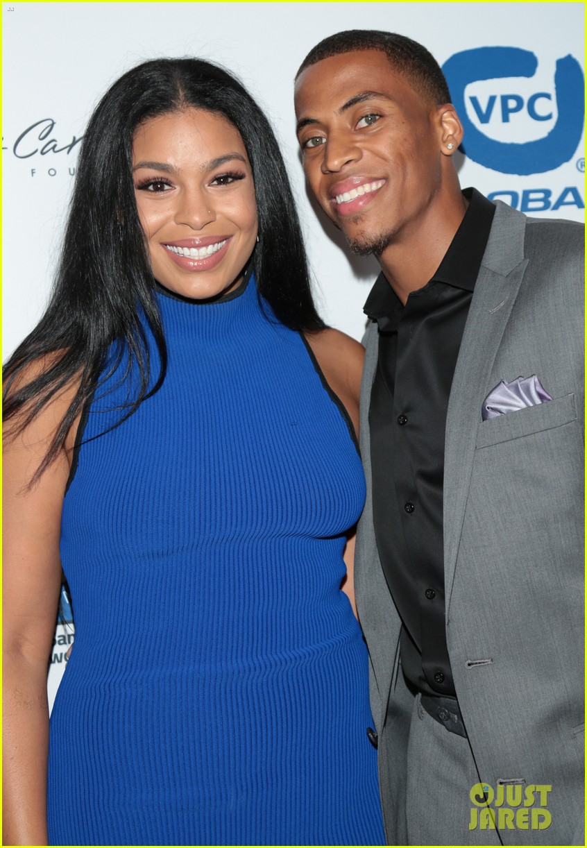 jordin sparks makes first red carpet appearance with boyfriend dana isaiah 043941086