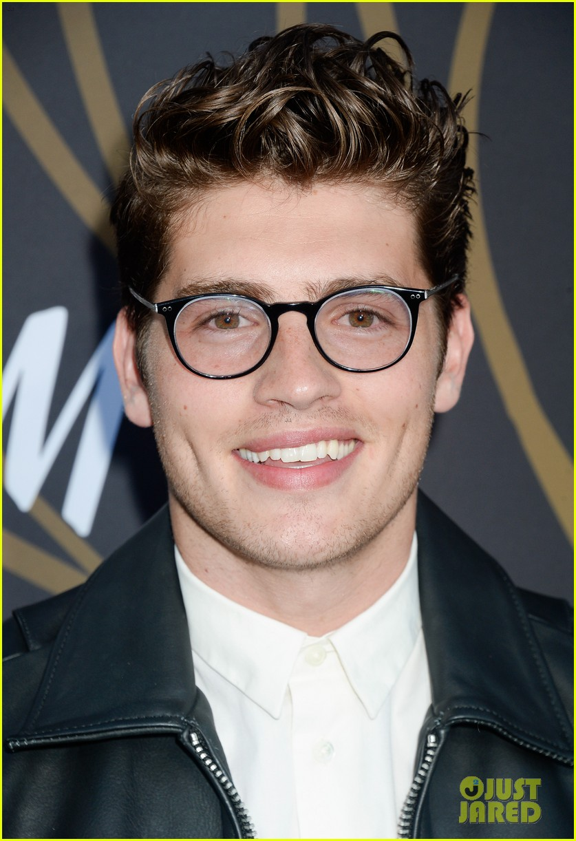 ariel winter gregg sulkin variety power of young hollywood 113939987