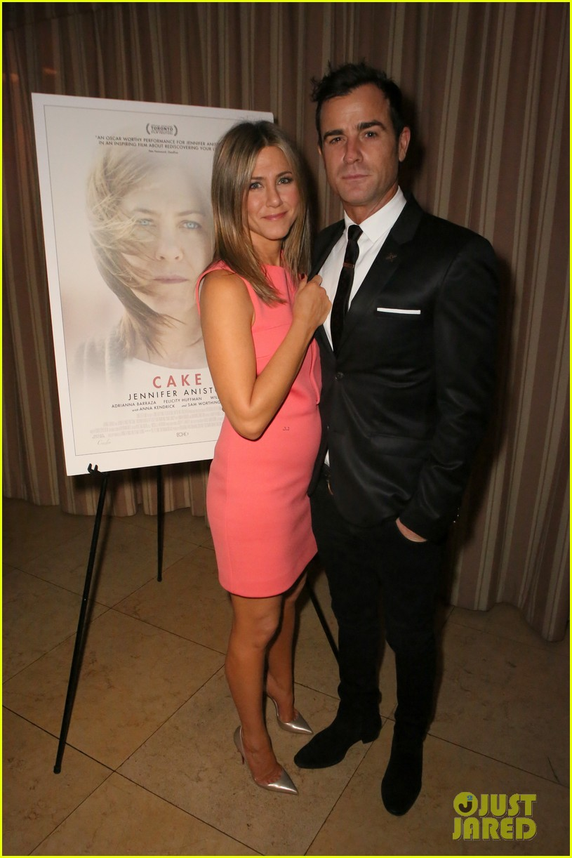 justin theroux shares sweet pic with jen on anniversary 033938114