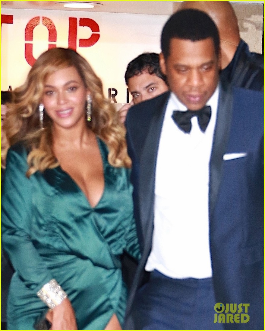 beyonce jay z couple up fror rihanna diamond ball 053957409