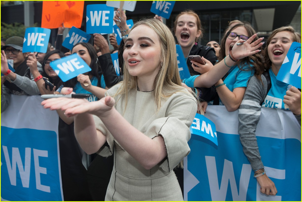 kelly clarkson and vanessa hudgens inspire youth at we day 043966147