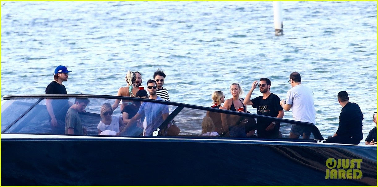 scott disick and sofia richie flaunt pda on a boat with friends2 323963012