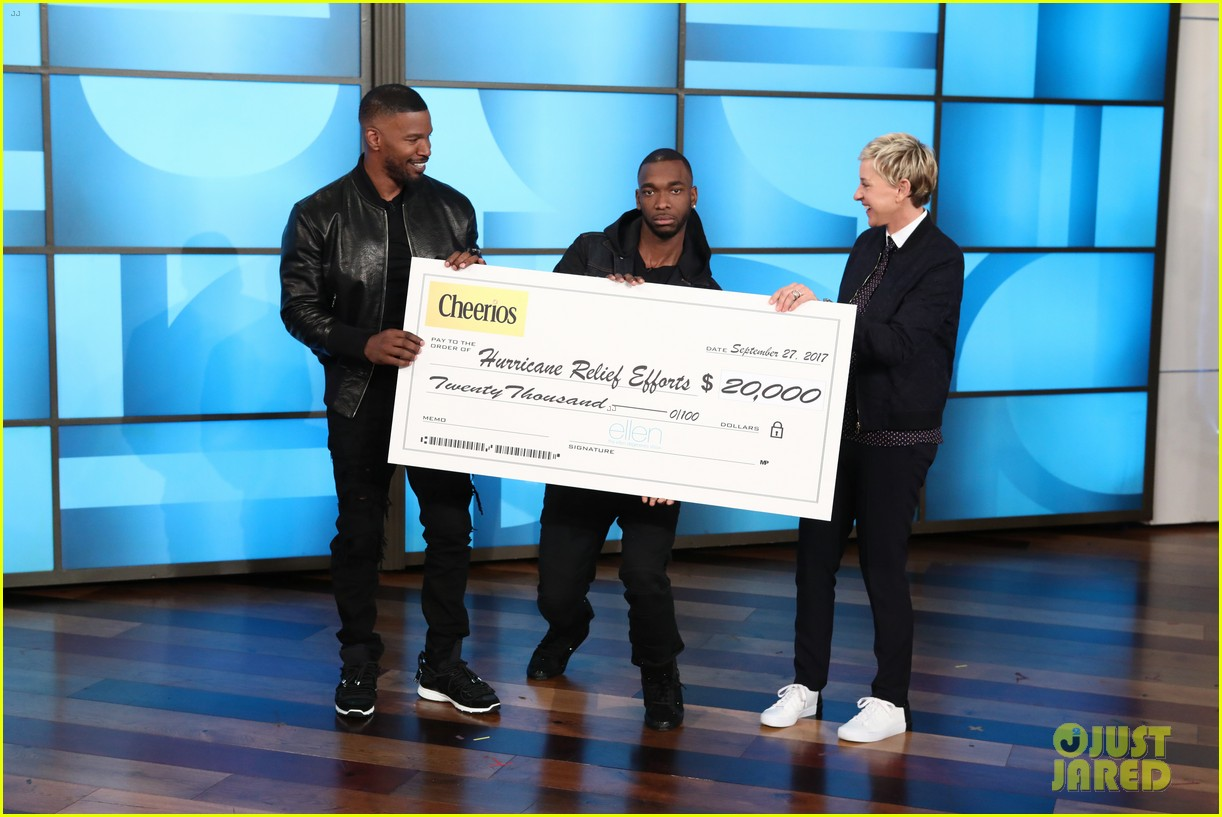 jamie foxx jay pharoah play the impressions game on ellen 023965709
