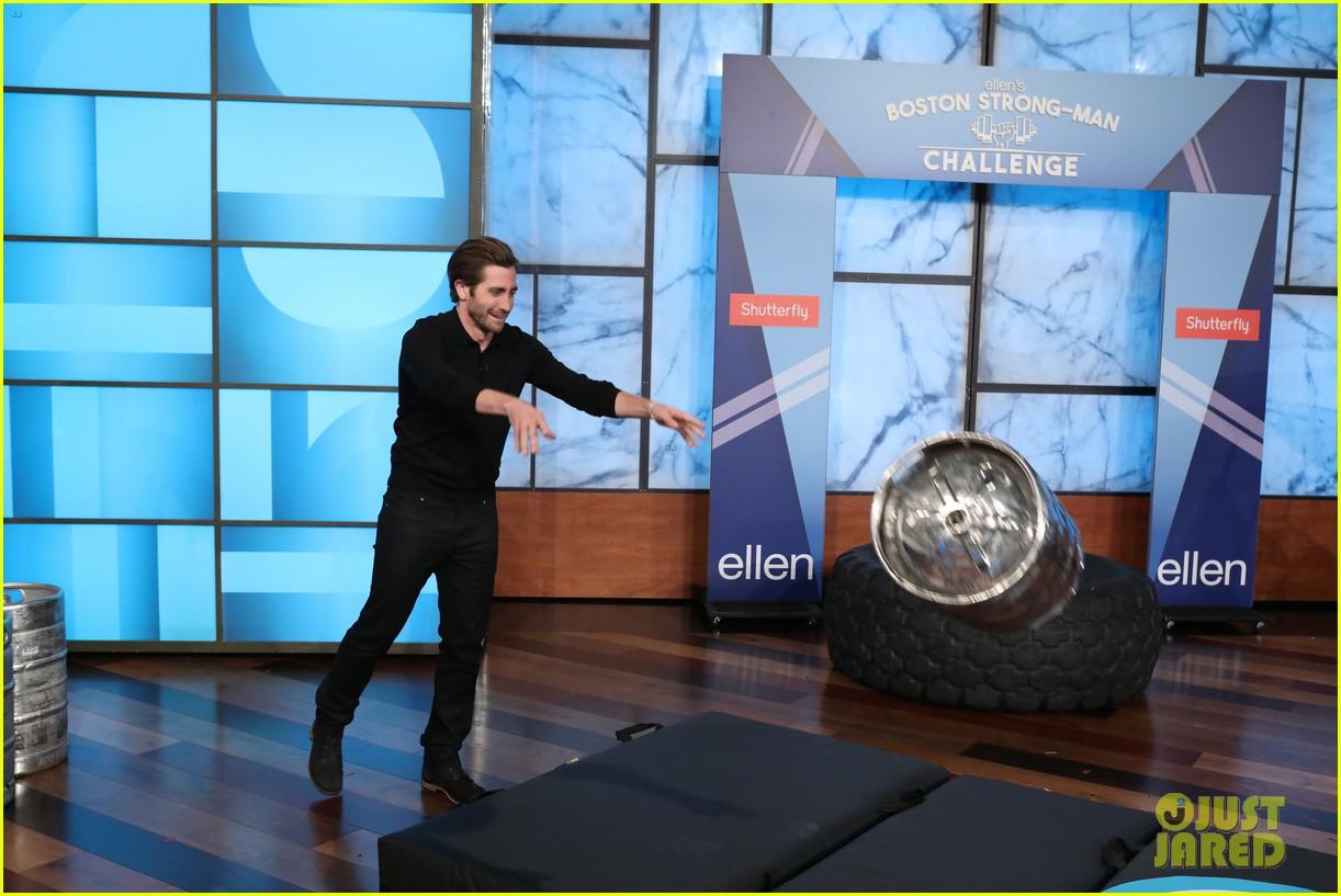 jake gyllenhaal takes on ellens boston strongman challenge for charity 013962375