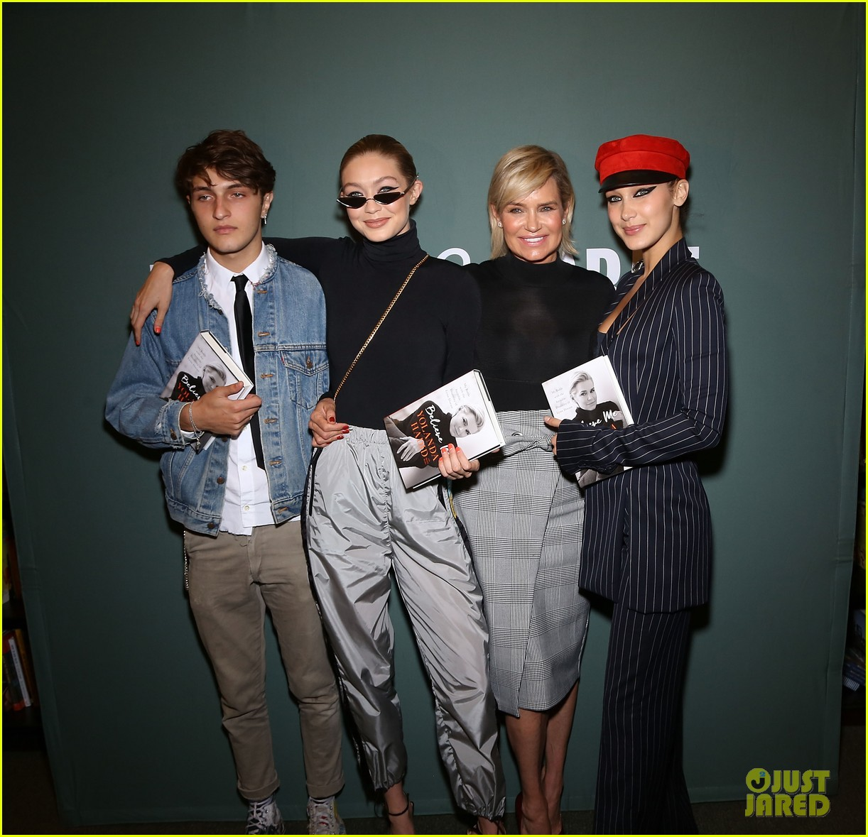 gigi bella anwar hadid support mom book signing nyc 033957065