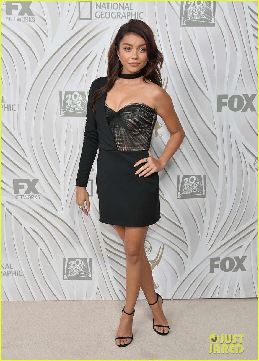 sarah hyland julie bowen switch it up for fox emmys after party 343960071