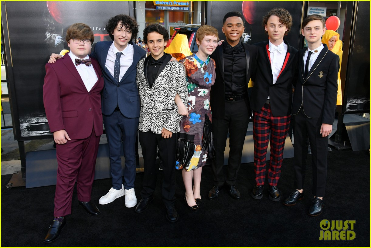 it movie kids premiere 033950895