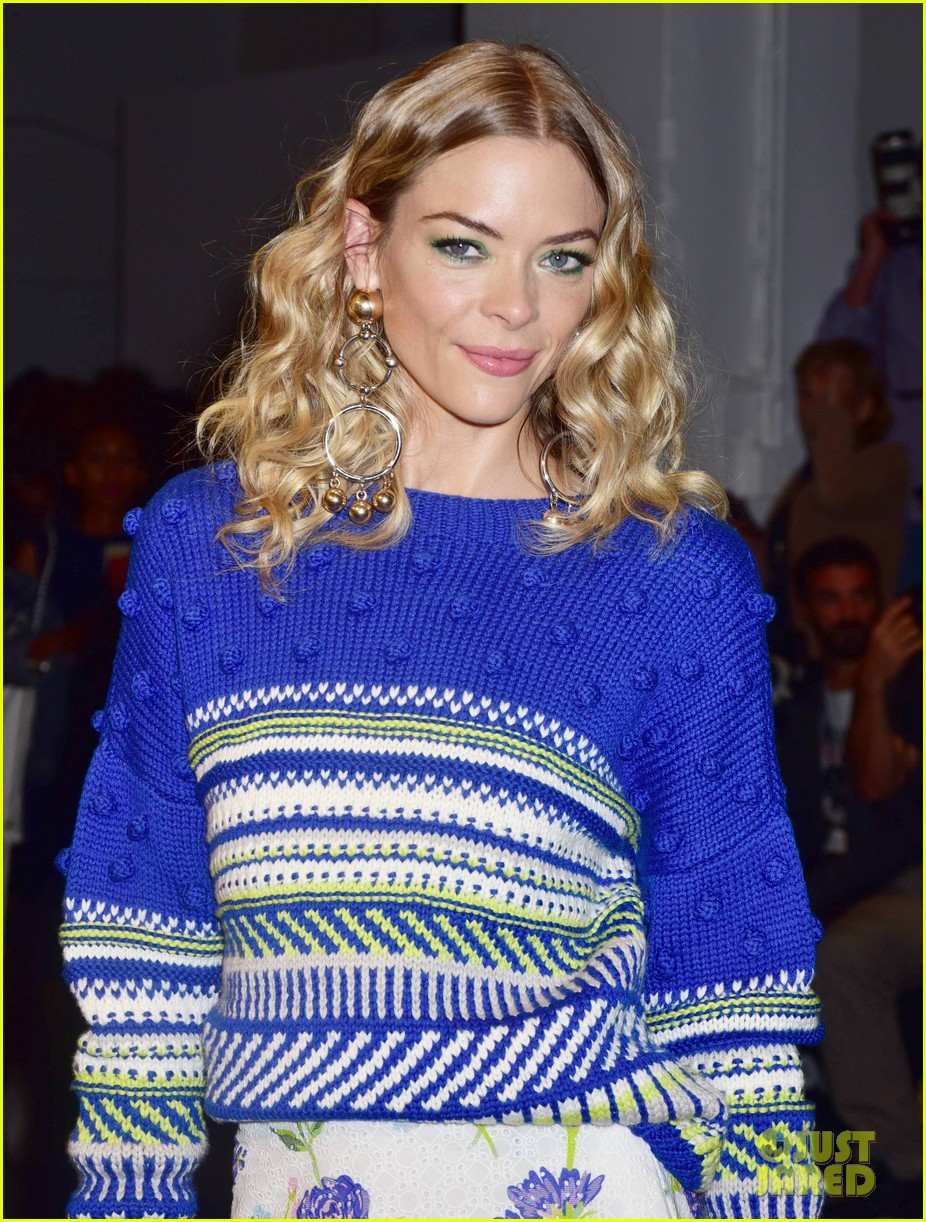 jaime king says its unfair to ban size zero models 023954928