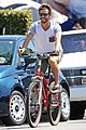 ryan kwanten and ashley sisino enjoy venice beach bike ride 05