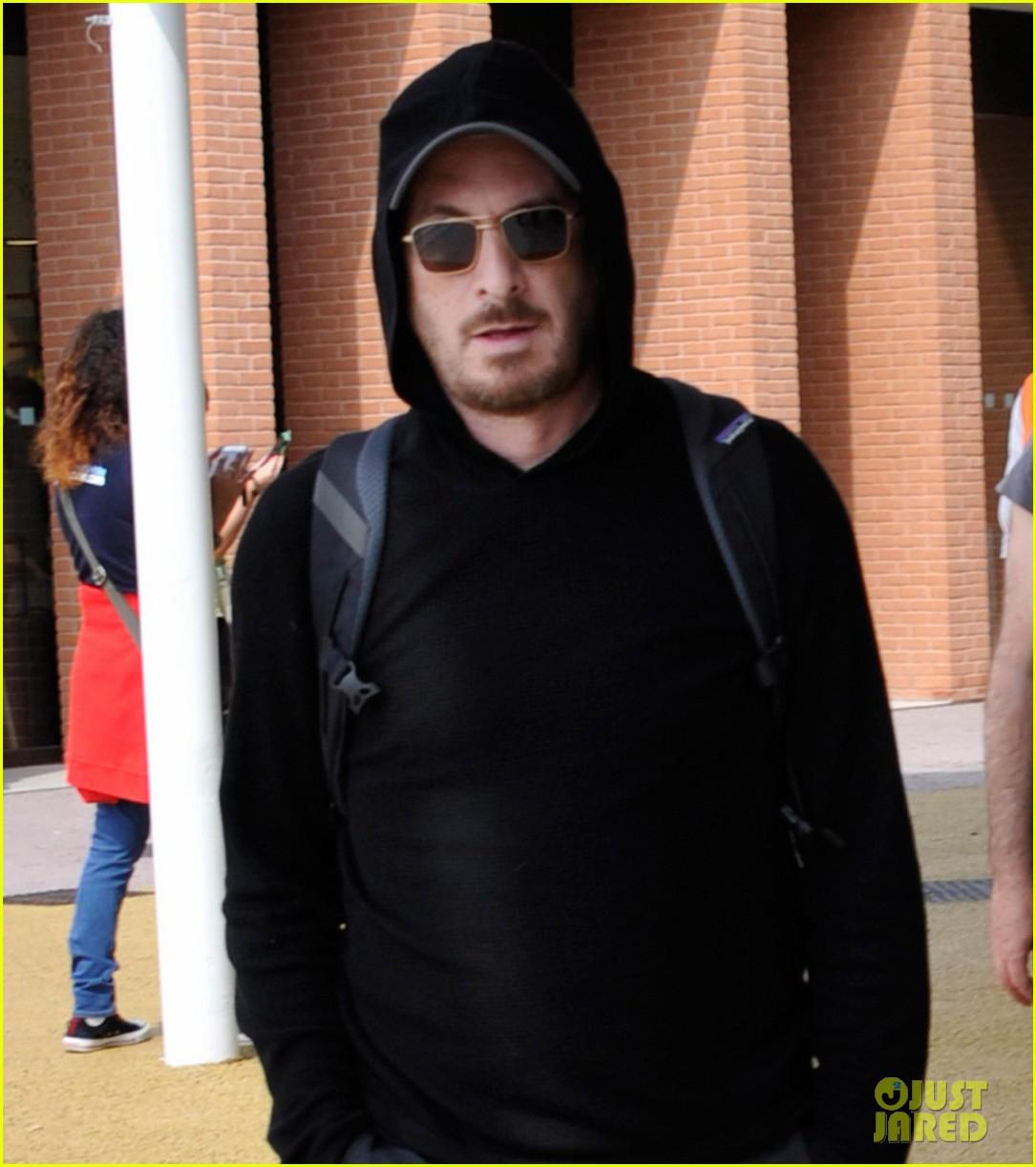 jennifer lawrence arrives for venice film festival with darren aronofsky 023949460