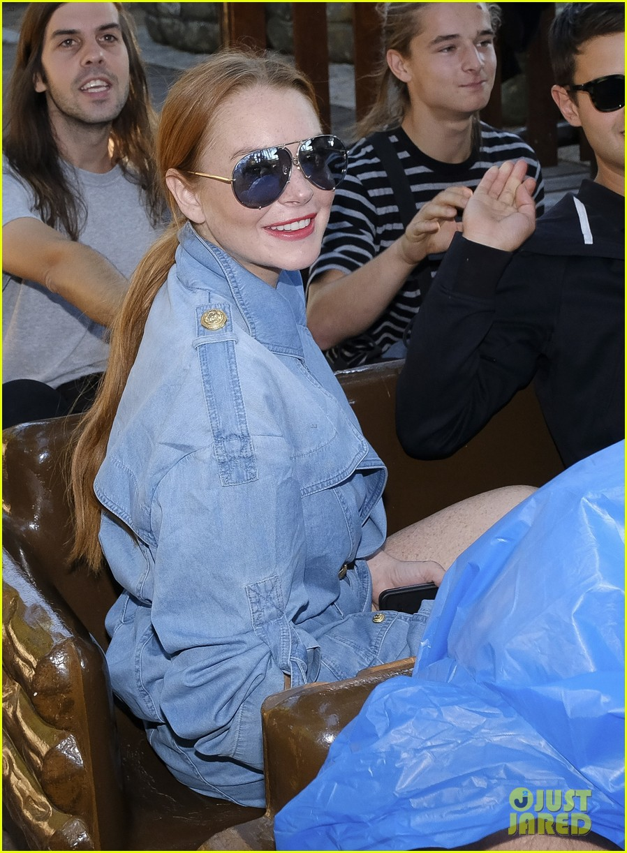 lindsay lohan shows off her street style during madrid fashion week 073960637