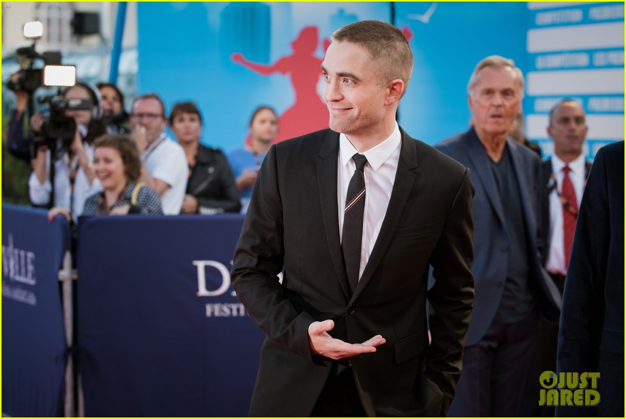 robert pattinson accepts special honor at deauville film fest 143949620
