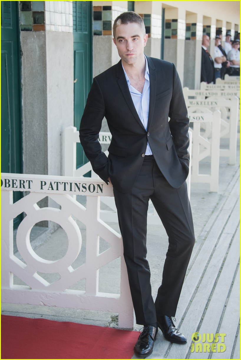 robert pattinson debuts new buzz cut at deauville film fest 033949382