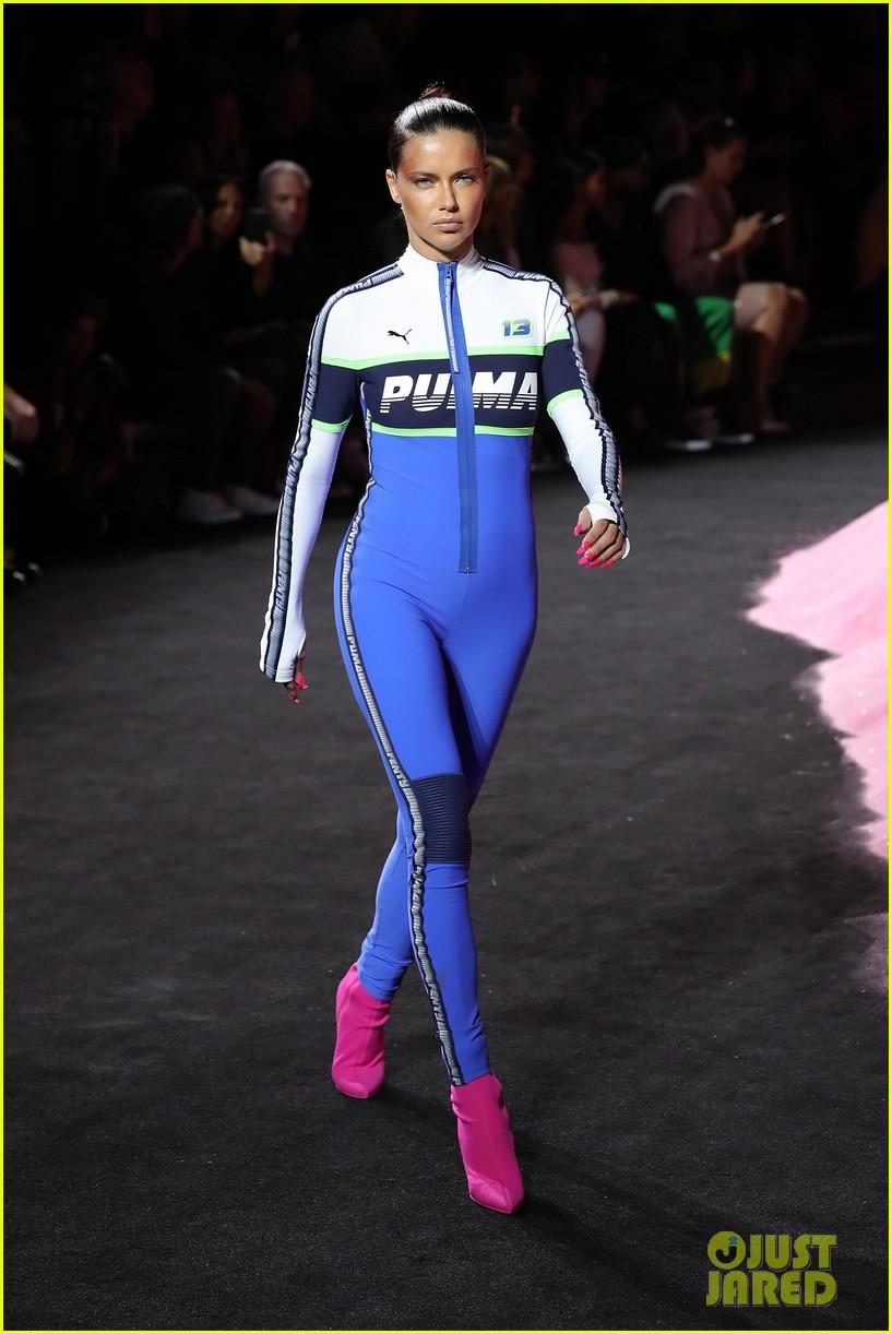 rihannas fenty fashion show 233954672
