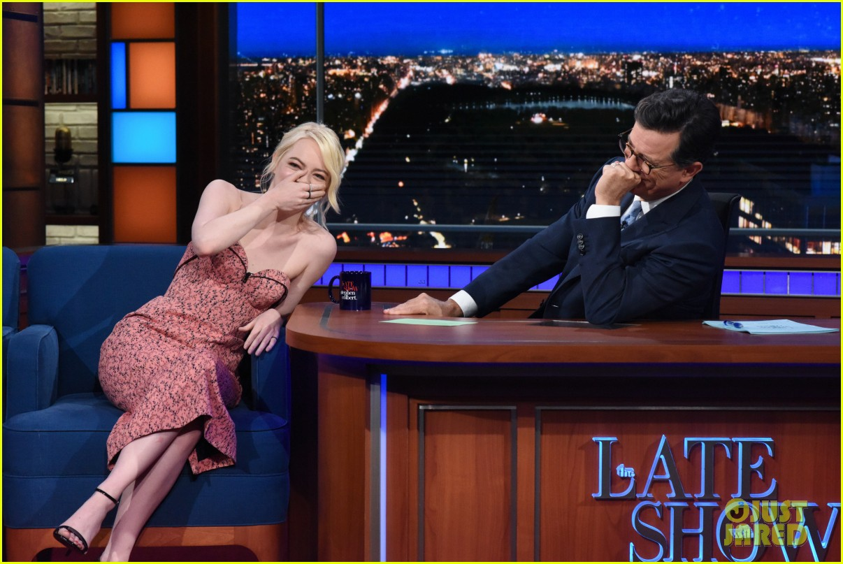 emma stone talks lifelong struggle with anxiety on the late show 033961429