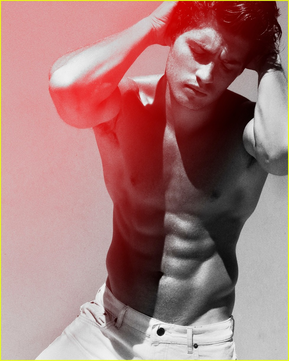 gregg sulkin goes shirtless and flashes his abs for raw 04