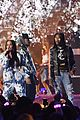 travis scott performs at iheartradio music festival amid kylie jenner pregnancy rumors 04