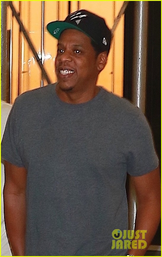 jay z enjoys a night out with friends in nyc 043966047