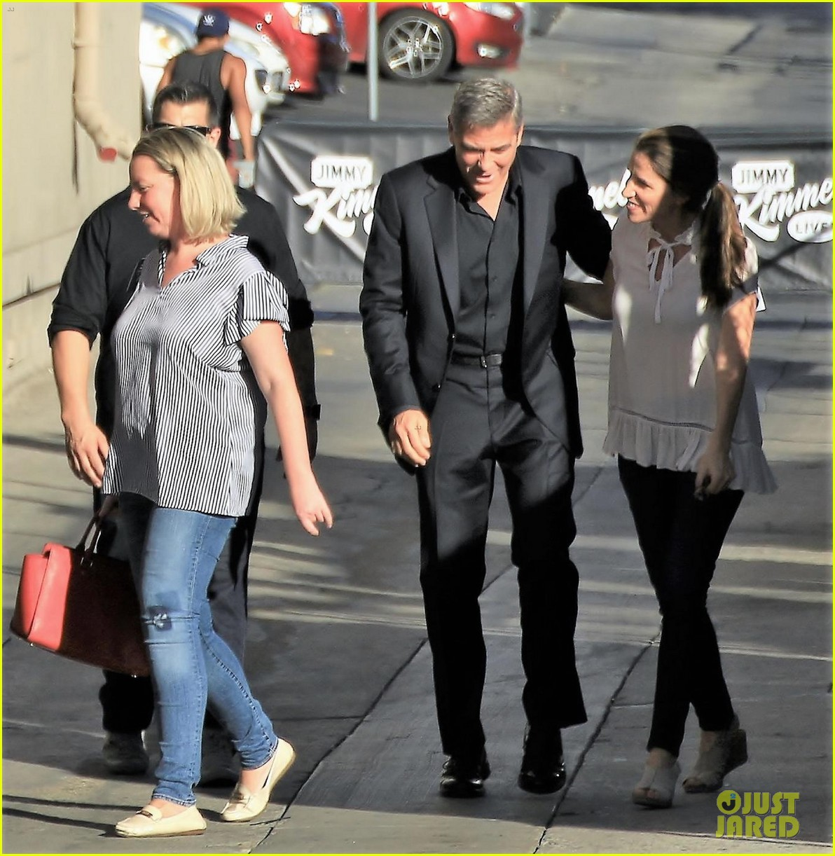 george clooney sneaks matt damon onto jimmy kimmel live as his twins manny 023977172