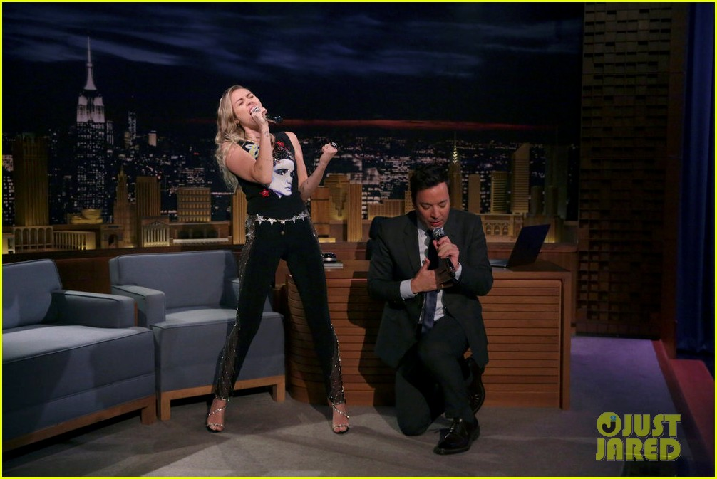 miley cyrus performs the climb on fallon as message of unity 013967295
