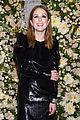 julianne moore gets honored at vanity fair john hardys night of legends 04
