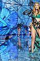 gigi hadid victorias secret fashion show 01