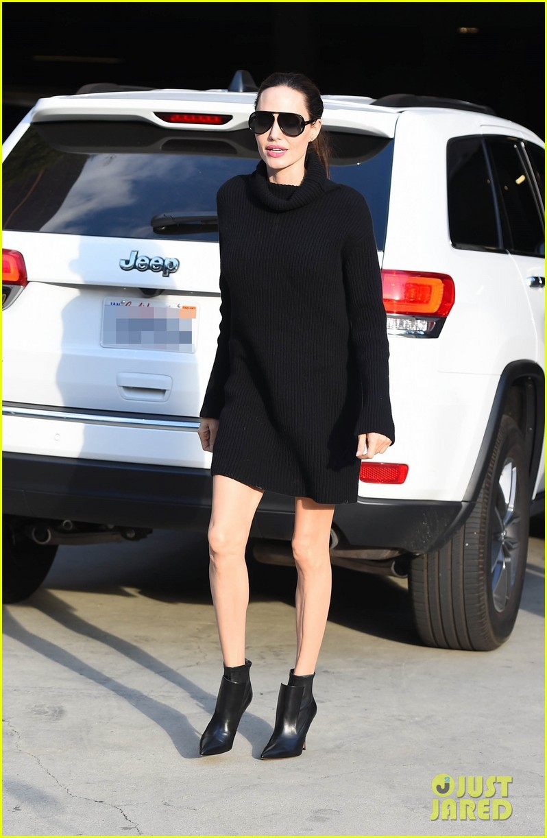 angelina jolie looks chic greeting fans in hollywood 033982371