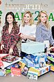 julie bowen christmas wrapping 22