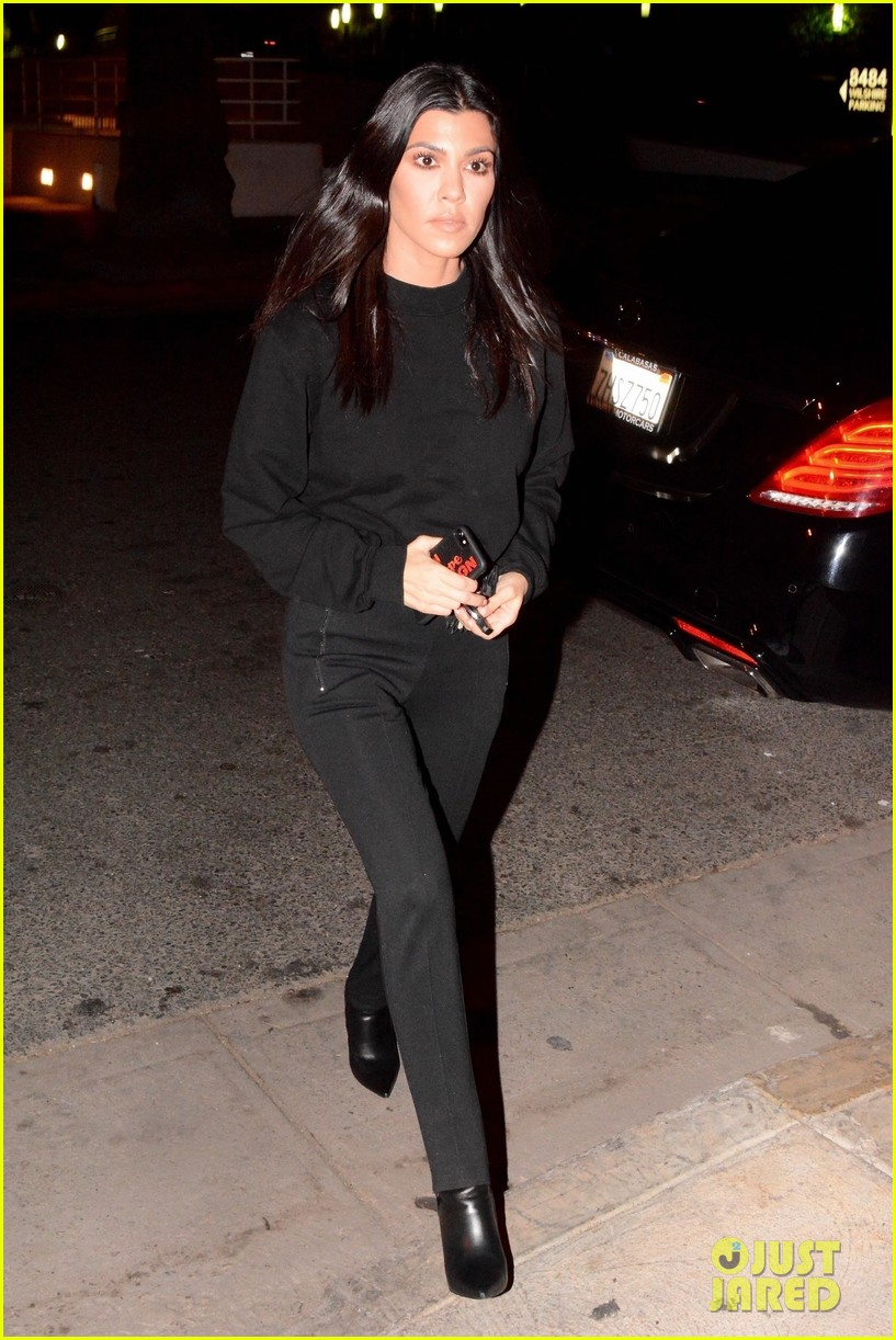 kourtney kardashian black 053994347