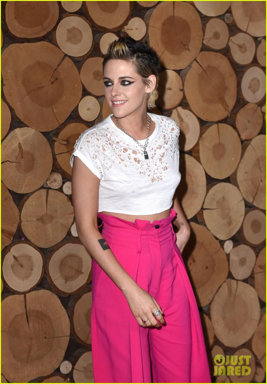 kristen stewart rocks neon pink pants for come swim premiere 043985088