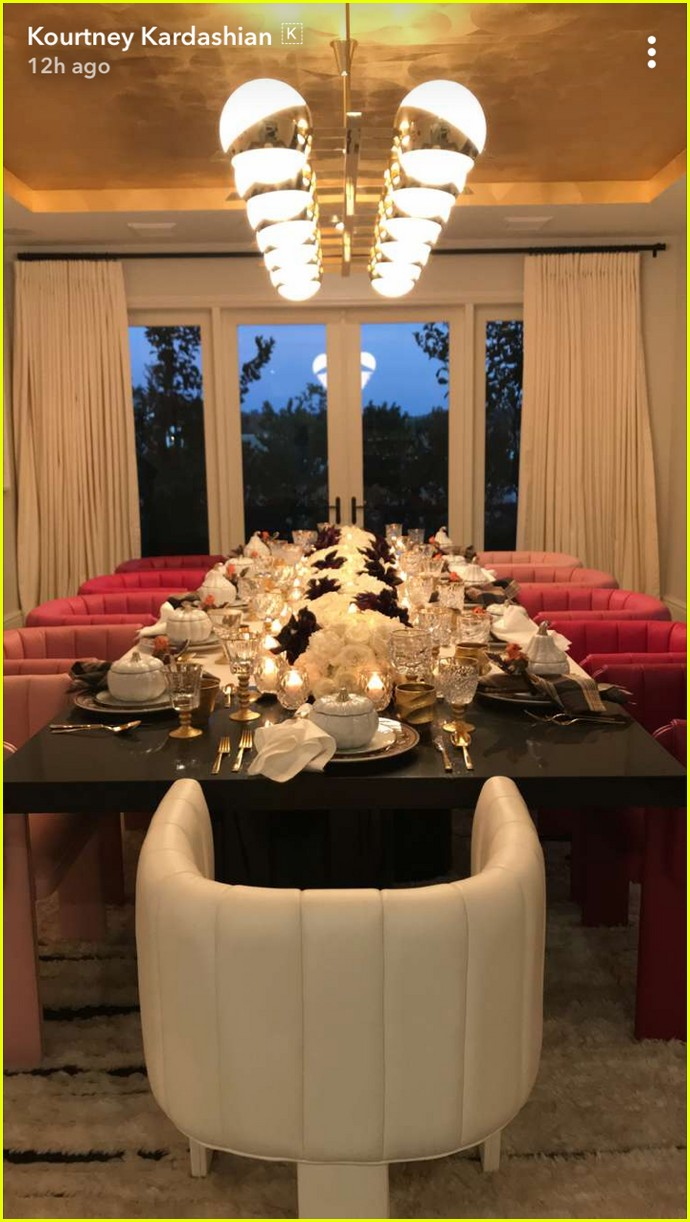 kylie jenner gives inside look at thanksgiving at her house 053992092